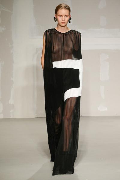 Krizia Spring 2018 Ready-to-Wear - Look #32