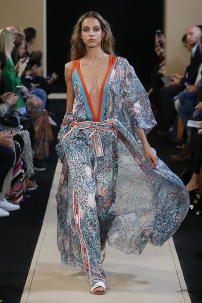 Leonard Paris Spring 2018 Ready-to-Wear - Look #17