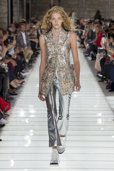 Louis Vuitton Spring 2018 Ready-to-Wear - Look #13