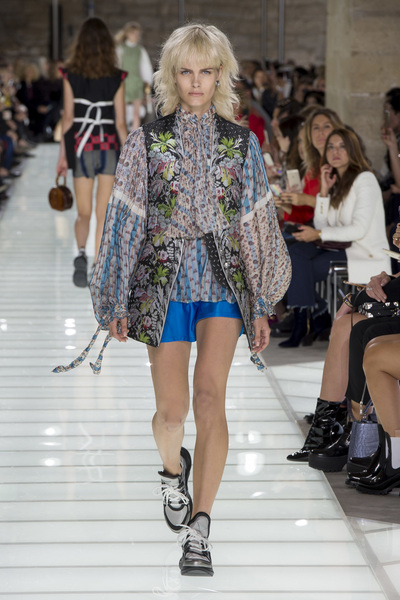 Louis Vuitton Spring 2018 Ready-to-Wear - Look #23