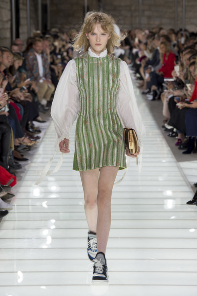 Louis Vuitton Spring 2018 Ready-to-Wear - Look #25