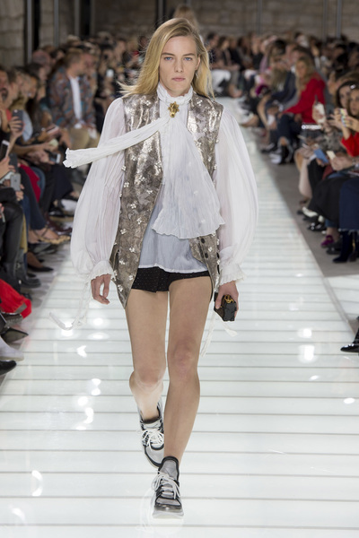 Louis Vuitton Spring 2018 Ready-to-Wear - Look #27