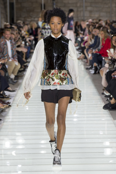 Louis Vuitton Spring 2018 Ready-to-Wear - Look #35