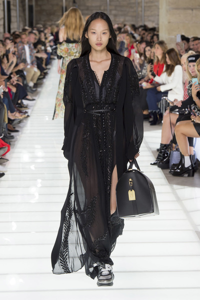Louis Vuitton Spring 2018 Ready-to-Wear - Look #36