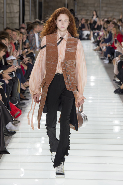 Louis Vuitton Spring 2018 Ready-to-Wear - Look #38