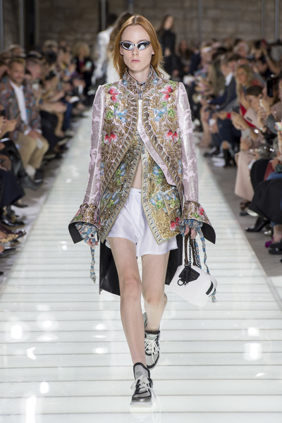 Louis Vuitton Spring 2018 Ready-to-Wear - Look #4