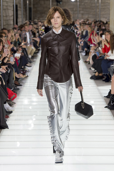 Louis Vuitton Spring 2018 Ready-to-Wear - Look #46