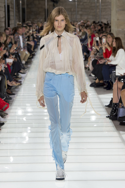 Louis Vuitton Spring 2018 Ready-to-Wear - Look #47