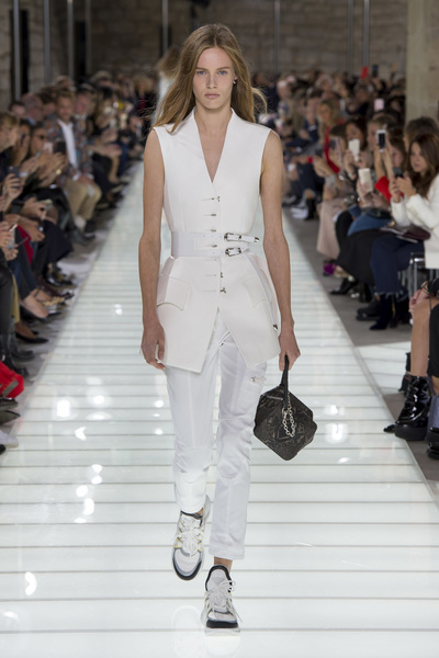 Louis Vuitton Spring 2018 Ready-to-Wear - Look #5