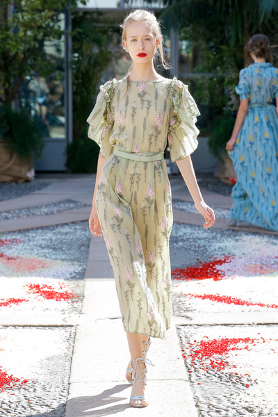 luisa beccaria Spring 2018 Ready-to-Wear - Look #17