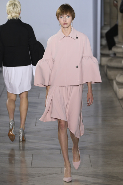 Lutz Huelle Spring 2018 Ready-to-Wear - Look #2