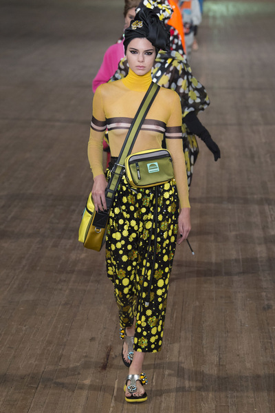 MARC JACOBS Spring 2018 Ready-to-Wear - Look #15