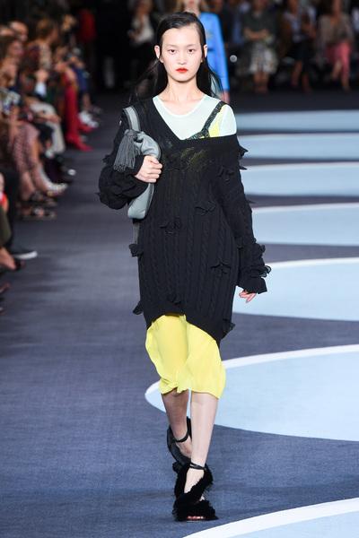 Marco De Vincenzo Spring 2018 Ready-to-Wear - Look #34