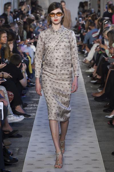 Max Mara Spring 2018 Ready-to-Wear - Look #17