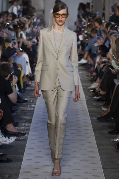 Max Mara Spring 2018 Ready-to-Wear - Look #20