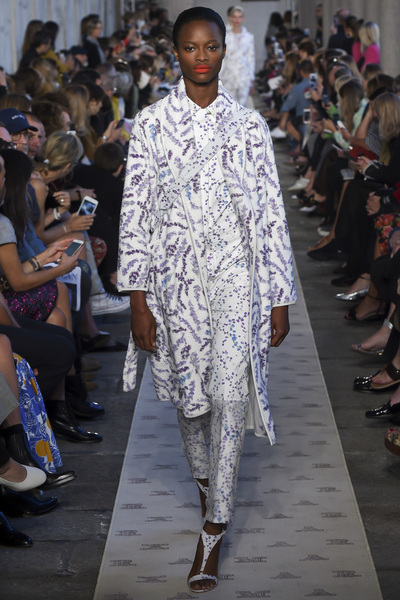 Max Mara Spring 2018 Ready-to-Wear - Look #22