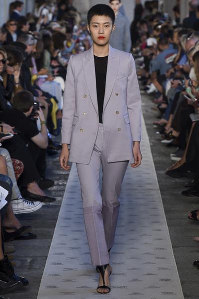 Max Mara Spring 2018 Ready-to-Wear - Look #36