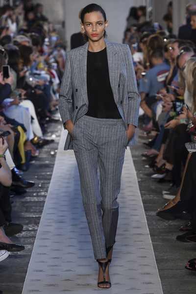 Max Mara Spring 2018 Ready-to-Wear - Look #38