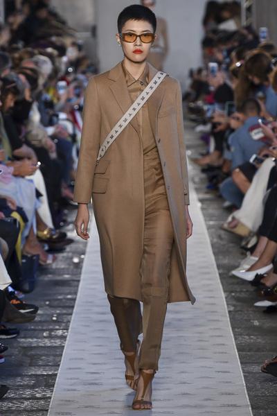 Max Mara Spring 2018 Ready-to-Wear - Look #5