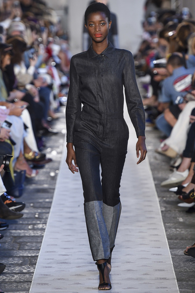 Max Mara Spring 2018 Ready-to-Wear - Look #8