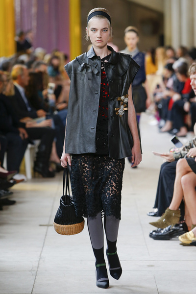Miu Miu Spring 2018 Ready-to-Wear - Look #30