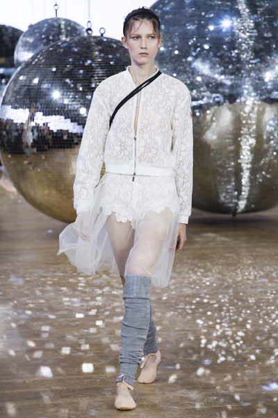 Moncler Gamme Rouge Spring 2018 Ready-to-Wear - Look #13