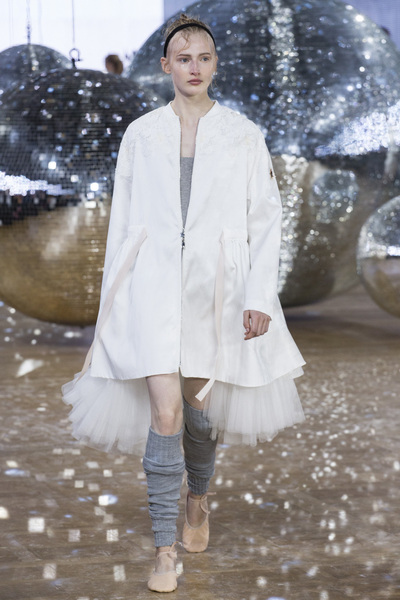 Moncler Gamme Rouge Spring 2018 Ready-to-Wear - Look #14