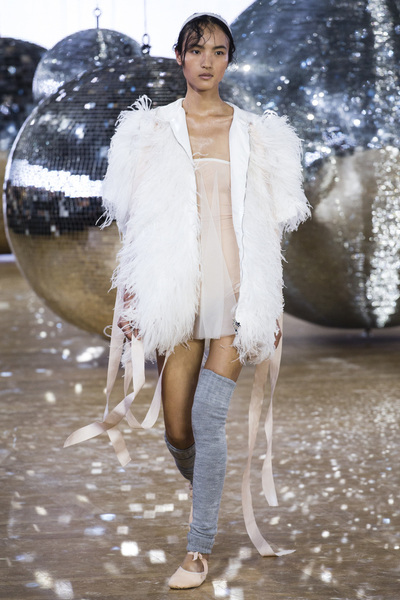 Moncler Gamme Rouge Spring 2018 Ready-to-Wear - Look #18