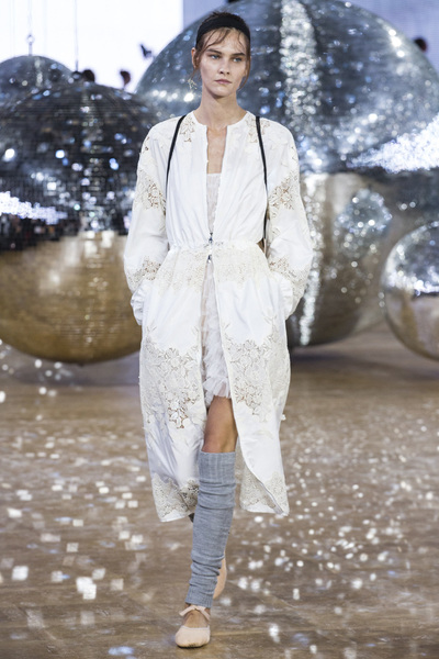 Moncler Gamme Rouge Spring 2018 Ready-to-Wear - Look #19
