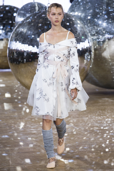 Moncler Gamme Rouge Spring 2018 Ready-to-Wear - Look #22