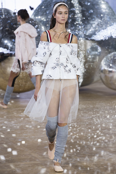 Moncler Gamme Rouge Spring 2018 Ready-to-Wear - Look #25