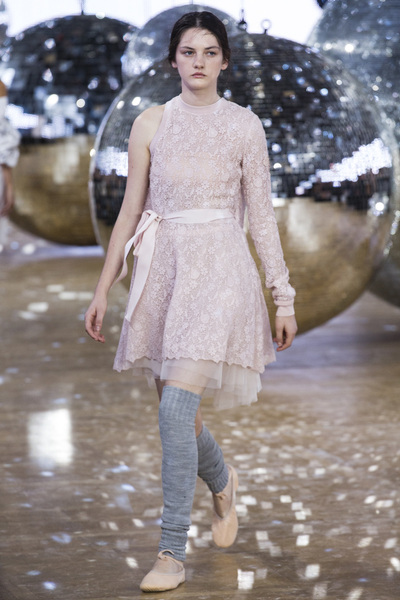 Moncler Gamme Rouge Spring 2018 Ready-to-Wear - Look #27