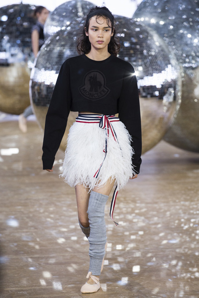 Moncler Gamme Rouge Spring 2018 Ready-to-Wear - Look #32