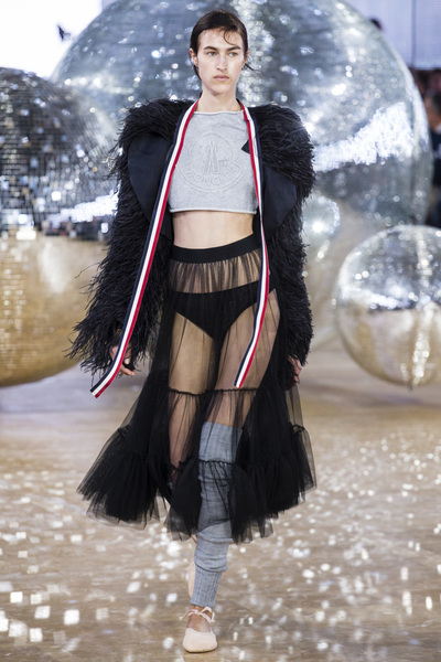 Moncler Gamme Rouge Spring 2018 Ready-to-Wear - Look #35