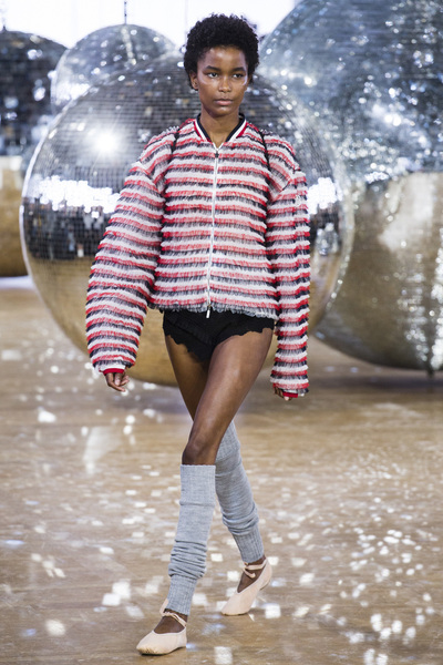 Moncler Gamme Rouge Spring 2018 Ready-to-Wear - Look #37
