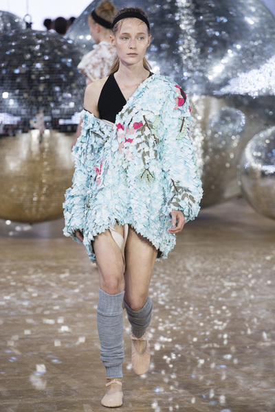 Moncler Gamme Rouge Spring 2018 Ready-to-Wear - Look #41