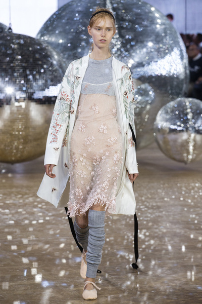 Moncler Gamme Rouge Spring 2018 Ready-to-Wear - Look #42
