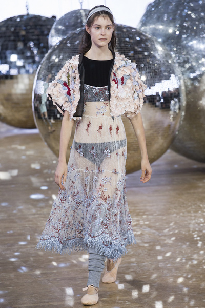 Moncler Gamme Rouge Spring 2018 Ready-to-Wear - Look #43