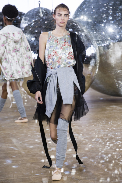 Moncler Gamme Rouge Spring 2018 Ready-to-Wear - Look #45