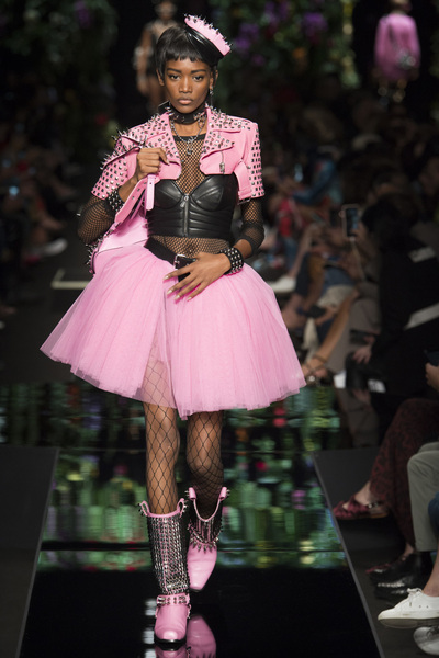 Moschino Spring 2018 Ready-to-Wear - Look #11