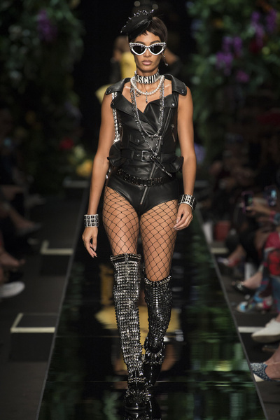 Moschino Spring 2018 Ready-to-Wear - Look #12