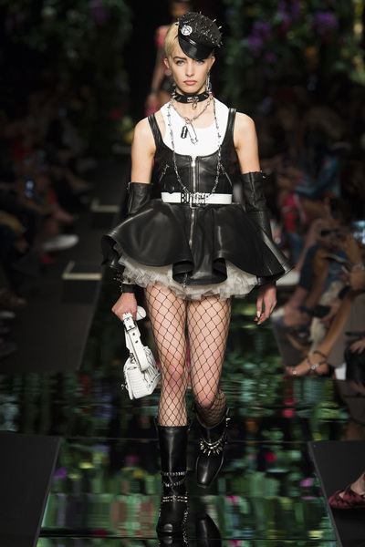 Moschino Spring 2018 Ready-to-Wear - Look #23