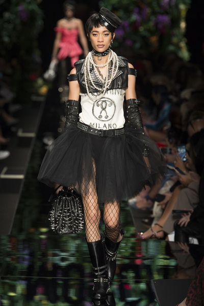 Moschino Spring 2018 Ready-to-Wear - Look #25