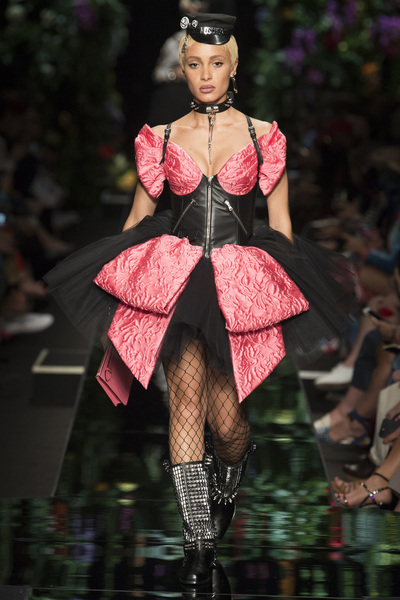 Moschino Spring 2018 Ready-to-Wear - Look #29