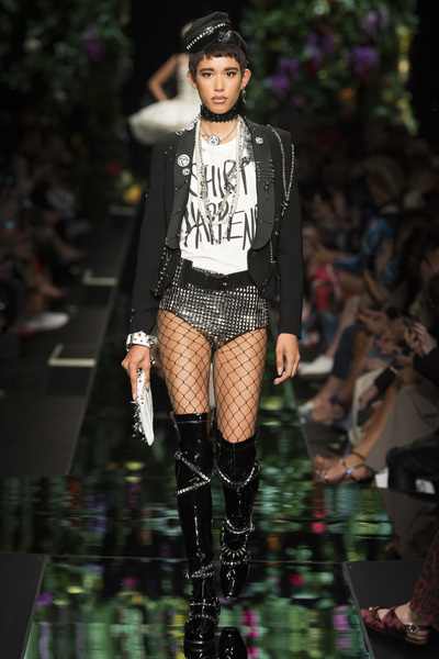 Moschino Spring 2018 Ready-to-Wear - Look #31