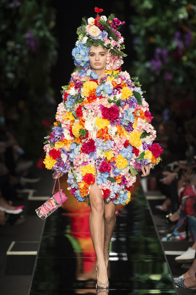 Moschino Spring 2018 Ready-to-Wear - Look #46