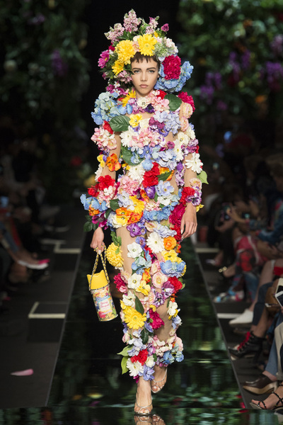 Moschino Spring 2018 Ready-to-Wear - Look #48