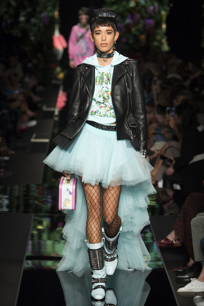 Moschino Spring 2018 Ready-to-Wear - Look #7