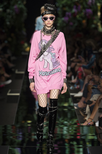 Moschino Spring 2018 Ready-to-Wear - Look #8