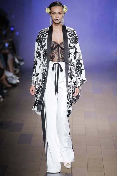 Naeem Khan Spring 2018 Ready-to-Wear - Look #3
